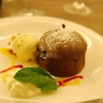 Mi-cuit chocolat, coulis d'agrumes - Restaurant Le Caveau des Arches à Beaune
