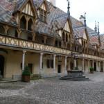 Cour intérieure de l'Hôtel Dieu à Beaune