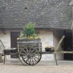 La cour intérieure du chateau du clos de vougeot, au cours du voyage de quitou wine travel en bourgogne