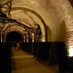 Bouteilles sur pupitres - Cvaes Pommery à Reims