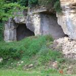 Anciens sites troglodytes dans la falaise de Chinon