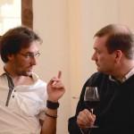 Adrien Pire dans de grandes explications... - Quitou Wine Travel à l'Auberge des Isles à Montreuil Bellay